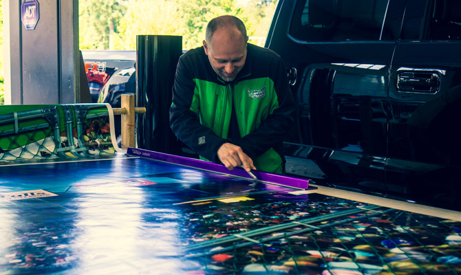 Custom vinyl car wraps in New West
